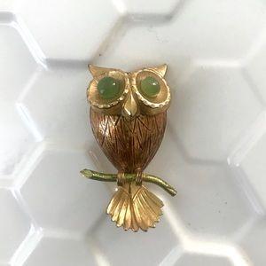 Vintage 1960's jade eyes brass owl brooch pin